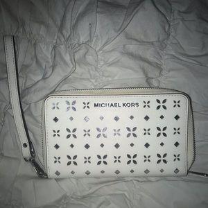 White Michael Kors wallet/wristlet